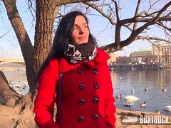 Amazing Lucia Denvile Gesicht vom Masseur gefickt