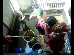 Bangla desi town women washing in Dhaka town HQ (5)