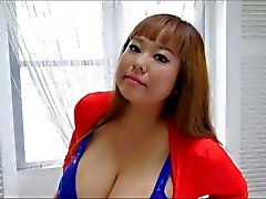 Sexy huge tits