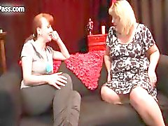 Nasty mature lesbians get horny rubbing