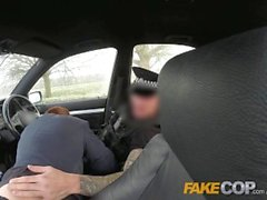 Fake Cop roumain anally sondé par un agent en secret