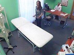 FakeHospital patiente espagnole se creampied
