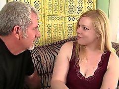 Blonde fülliger Ilena Kuryakin Reiten auf einem dicken Schwanz