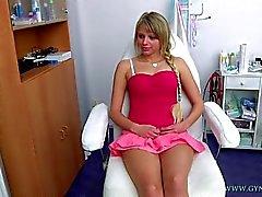 Marcy est allé à son gynécologue pour les gyneco examens