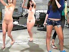 Lesbians ласковый на камеру