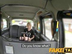 FakeTaxi İskoç lass sürmek büyük horoz