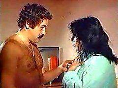 Zerrin egeliler velho turco sexo cena de sexo erótico filme peludo