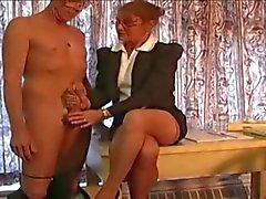 patronne masturbe