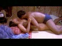 Mallu Aunty Romance In Hut