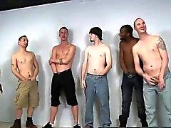 La pornografía gays tailandés youtube El es en verdad del ideal Eyaculación colectiva muchacho