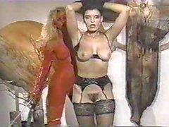 Sıcak Esmer Threesome Lanet olsun 1990'ların Classic