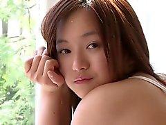 Mayumi Yamanaka'nın Pembe Kadın iç - gayri çıplak
