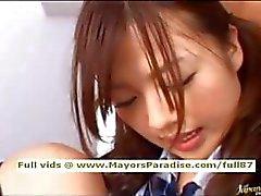 Miyu Hoshino onschuldige Aziatische schoolmeisje geniet krijgen een hard geneukt