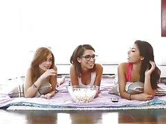 Pelleily oma vaiheen sisarensa ja kaverit täydellinen video