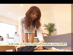 Risa Kasumis unschuldige Chinese girl reitet auf einem prallen Schwanz