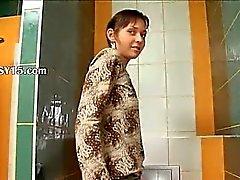 Tuvalet İnanılmaz kemiksel Güzel Kız