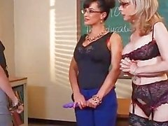 Nina Hartley and Lisa Ann teach Belle Knox how to fuck
