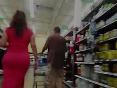 Latina MILF Shopping