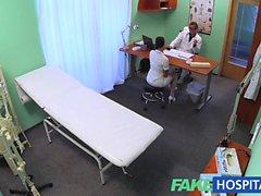 FakeHospital nouvelle infirmière sexy aime travailler des son nouveau patron