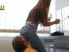 Mistress Katja jeans facesitting