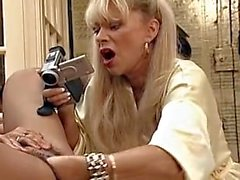 Babette Blue lesbisk fisting