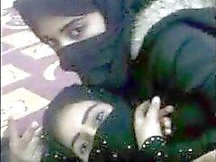 مولات الخمر Arabische lesbische Liebe