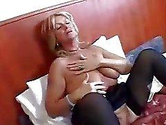 Veteran Hooker Makes Her Man Spurt Fast