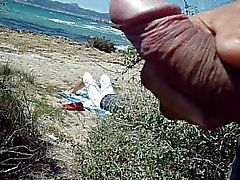 cum Masturbazioni pubblica in spiaggia