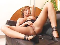 2 Hot To Handle 03 - Scene 5