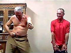 Gamla män gått dåligt med 2 Hot Babes