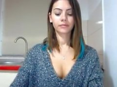 Beautiful Camslut loves getting off!!!