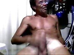Söt flicka och gammal man i webcam 2