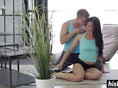 Rebecca aime baiser dans diverses positions