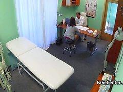 Teen ofisinde doktoru tarafından berbat