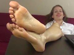Lelu sexy feet secretary
