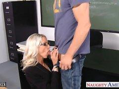 Enseignant sexe d'Emma Starr a prendre des bite dans classes