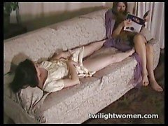 twilightwomen - lesbian tribbing lazy afternoon
