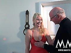 El abuelo calientes ame maldito una chica adolescente Chicas
