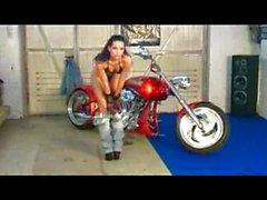 Hot biker queen likes it wild