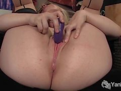 Yanks Blonde Ruby's Hyper Flexible Orgasm