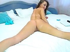 Teenager masturbating on webcam
