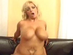 Chintia Flowers-Big Tits Monster Glocken
