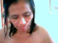 Mature filippinska Editha Navares att få blotta kamerakillar