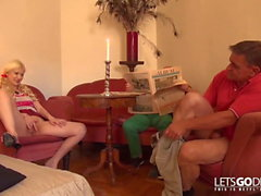 LETSGODIRTY - 2 alte Knacker ficken junge Studentin