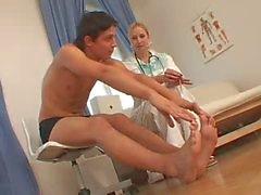 De CFNM Nurse et de elle patient