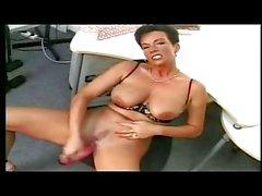 Shorthaired German MILF masturbating