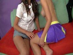 Seduced By A Real Lesbian 10 - Scène 2