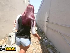 BANGBROS - Sophia Steele Gives Peter Green A Public Blowjob While Bum Walks