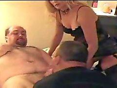 Fucking fru och hennes faggot fästman