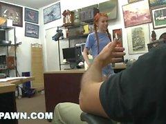 XXX piyon - Redhead Genç Dolly Küçük Onun Kayık Piyon için Denemeleri